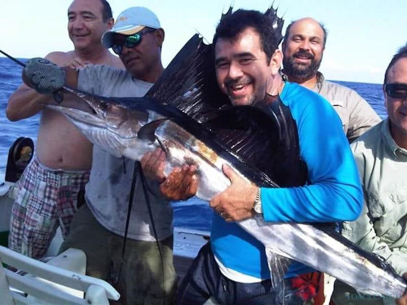 Charter de pesca 3 Hermanos