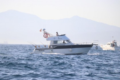 Cayman III Estrecho de Gibraltar pesca
