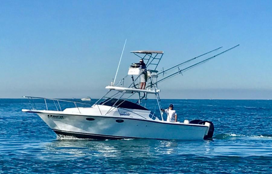 Charter de pesca Dora