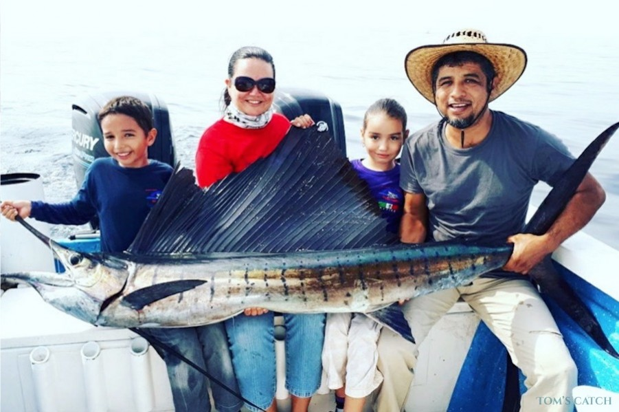 Charter de pesca Escualo V