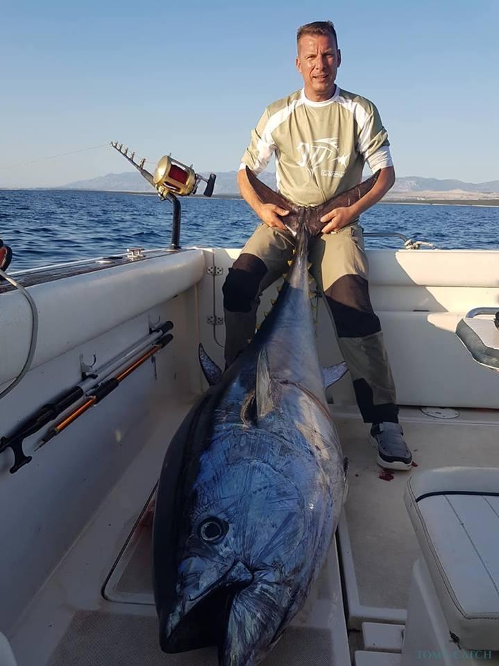 Charter de pesca Hidalga