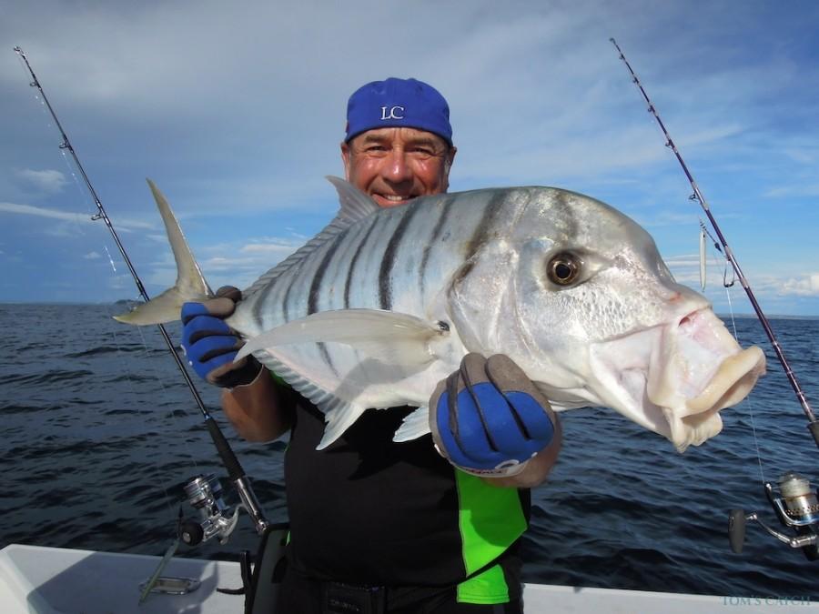 Charter de pesca Manou1