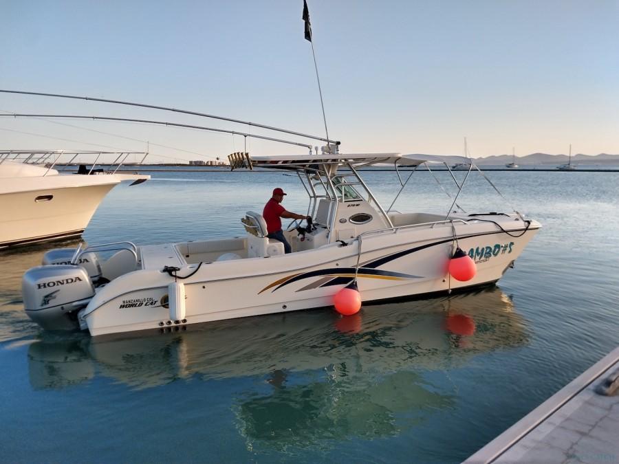 Charter de pesca MV Mambo 5