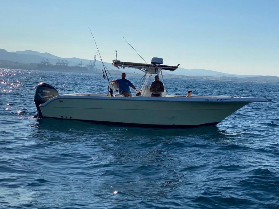 Charter de pesca Pursuit Centre Console