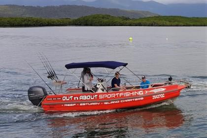 Reel Therapy Port Douglas pesca