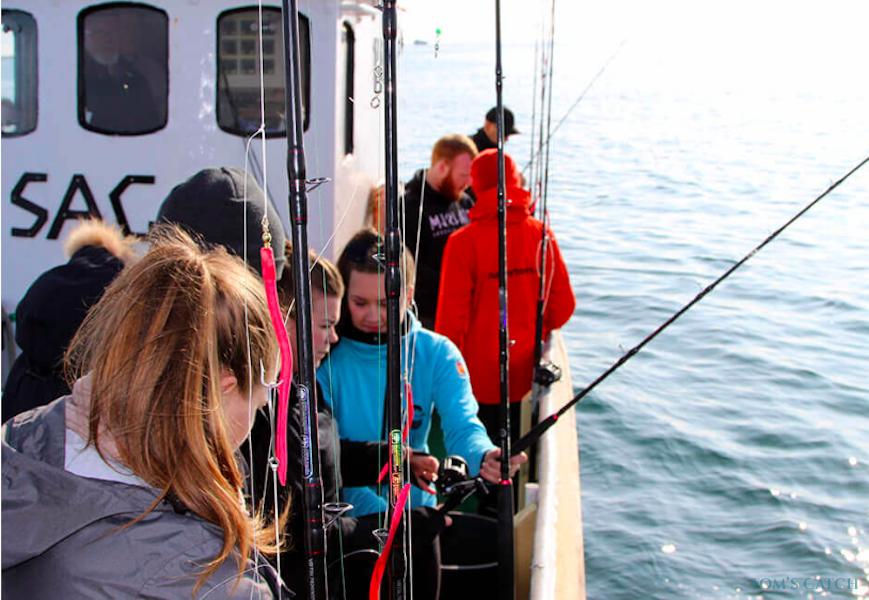 Charter de pesca Saga