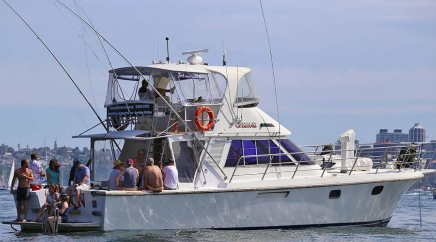 Charter de pesca Yackatoon