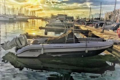 Athenea Santa Pola fishing