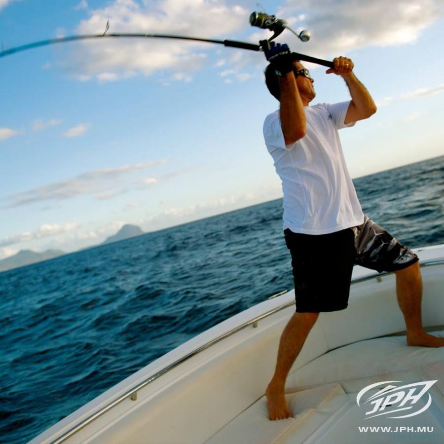 Fishing Charter Jigging in Mauritius